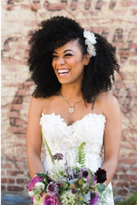 natural hair is a 2020 bridal beauty trend