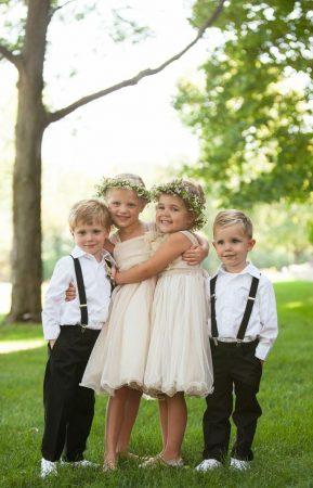 Kids posing for wedding photo